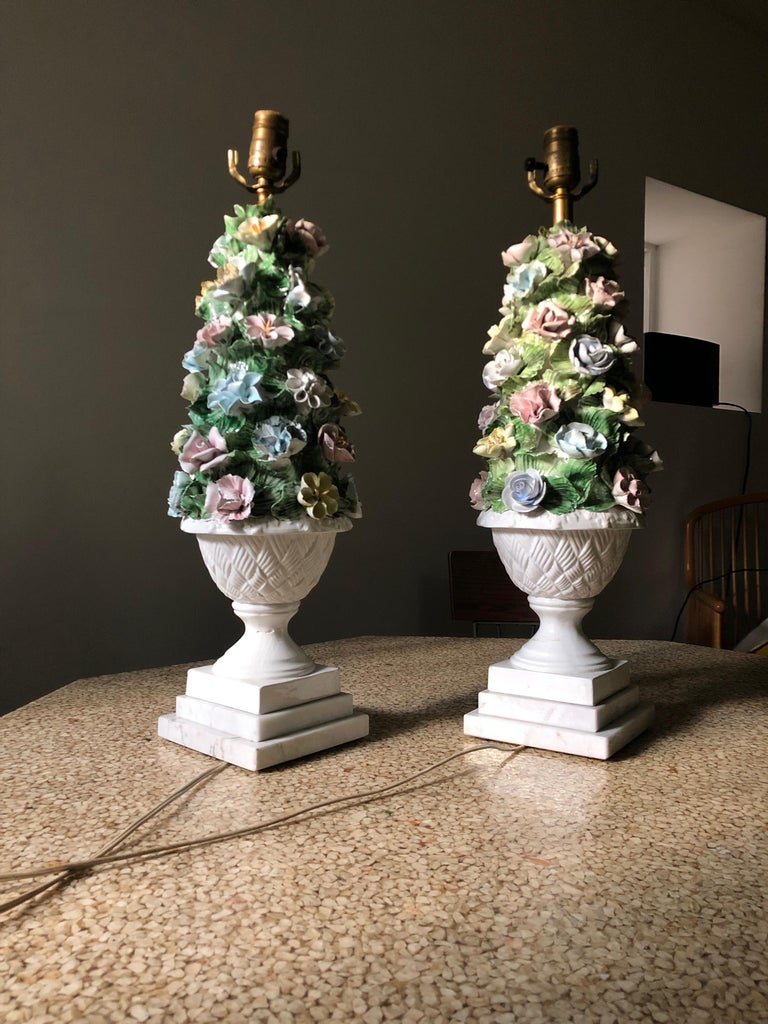 Midcentury Italian Modern Capodimonte Porcelain Topiary Floral Table Lamps In Good Condition For Sale In Brooklyn, NY