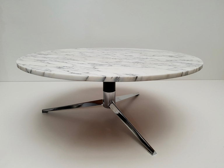 Midcentury Italian Modern Polished Metal and Marble Round Circular Coffee Table For Sale 5
