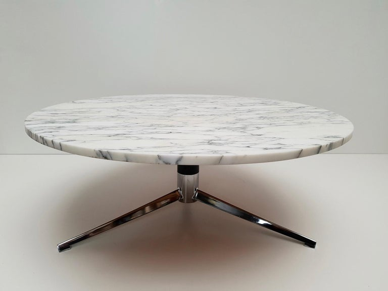 Midcentury Italian Modern Polished Metal and Marble Round Circular Coffee Table For Sale 7