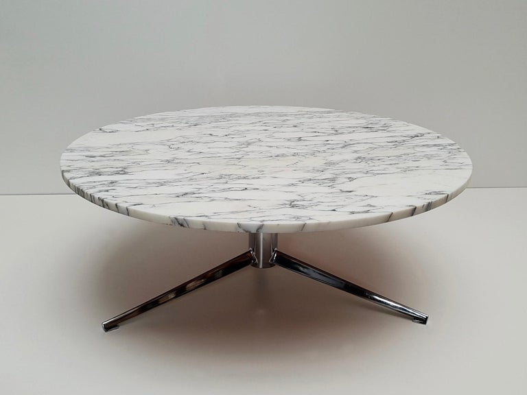 Midcentury Italian Modern Polished Metal and Marble Round Circular Coffee Table For Sale 8