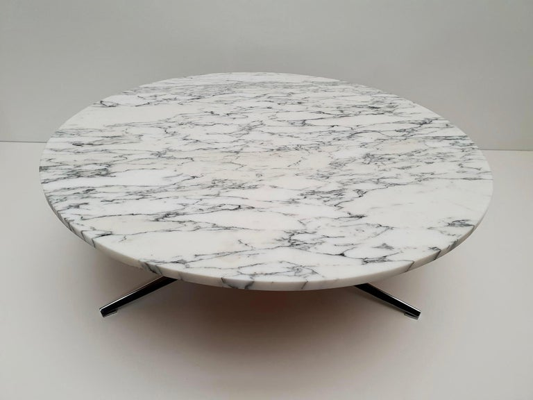 20th Century Midcentury Italian Modern Polished Metal and Marble Round Circular Coffee Table For Sale
