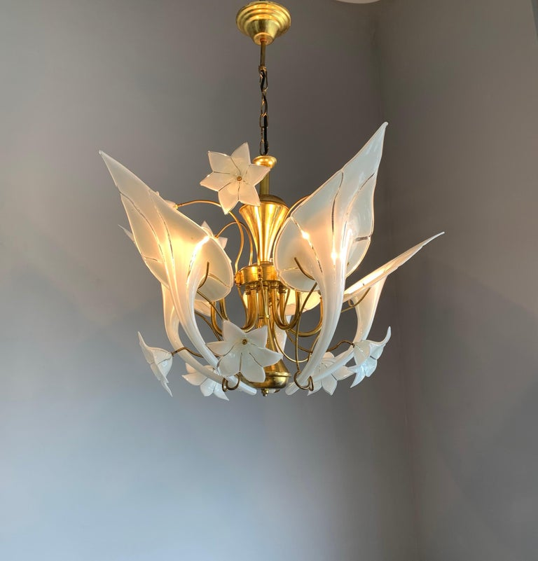 Midcentury Italian Murano Chandelier w. Stunning Mouthblown Glass Flower Shades For Sale 10