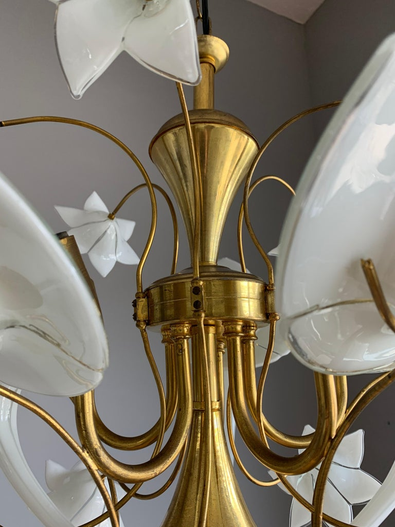 Midcentury Italian Murano Chandelier w. Stunning Mouthblown Glass Flower Shades For Sale 11