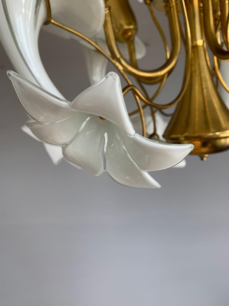 Midcentury Italian Murano Chandelier w. Stunning Mouthblown Glass Flower Shades For Sale 13