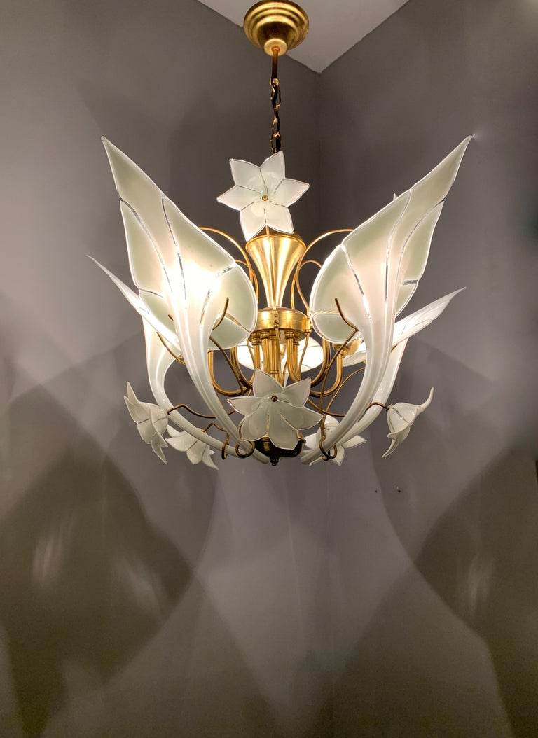Hollywood Regency Midcentury Italian Murano Chandelier w. Stunning Mouthblown Glass Flower Shades For Sale