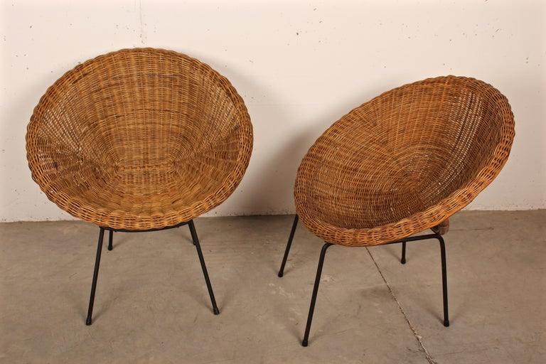 Mid-20th Century Midcentury Italian Pair of Circle Shaped Woven Wicker Rattan Armchairs For Sale