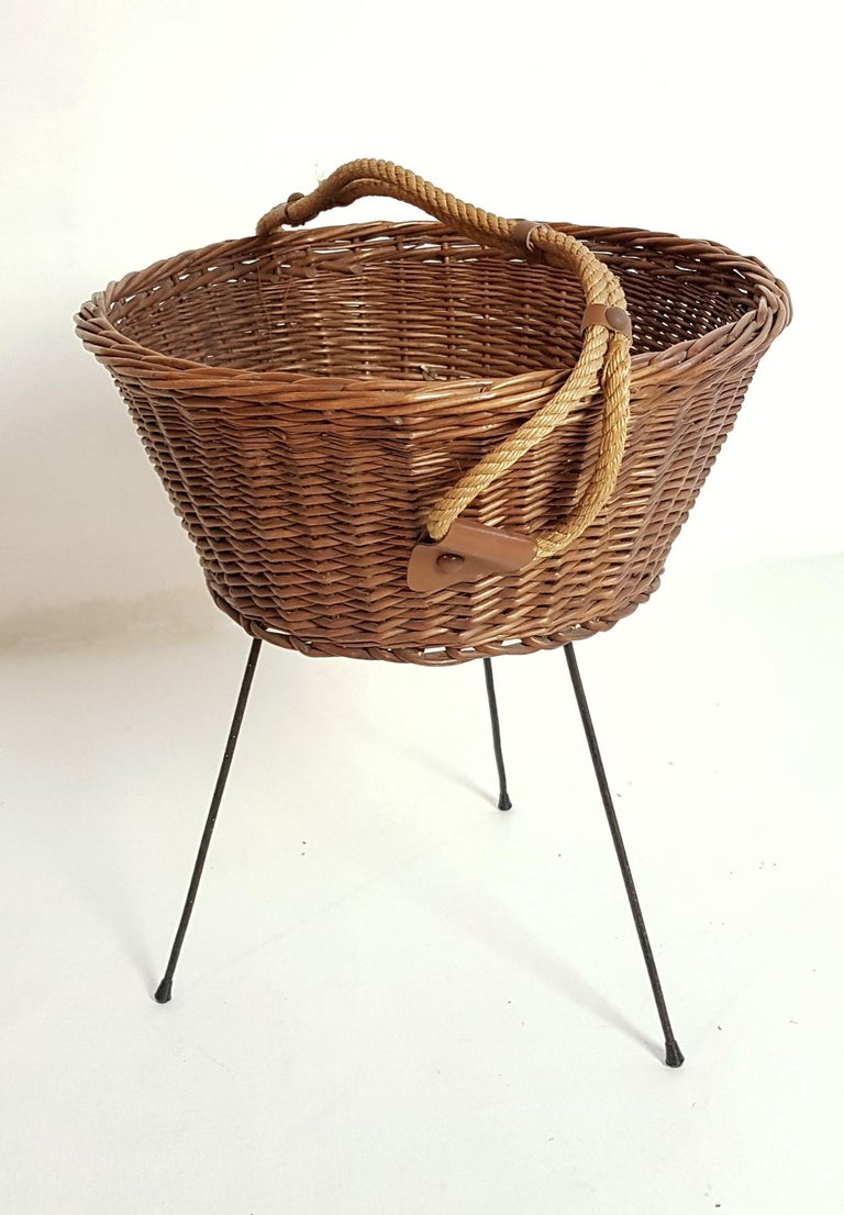 Midcentury Knitting Basket, Italy In Good Condition In Albano Laziale, Rome/Lazio