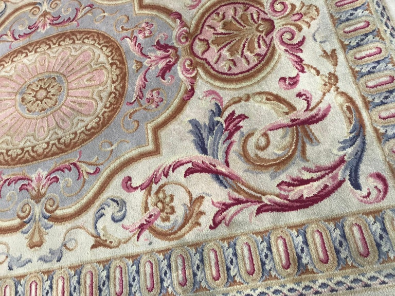 Midcentury Knotted Aubusson Savonnerie Design Rug In Good Condition For Sale In Saint Ouen, FR