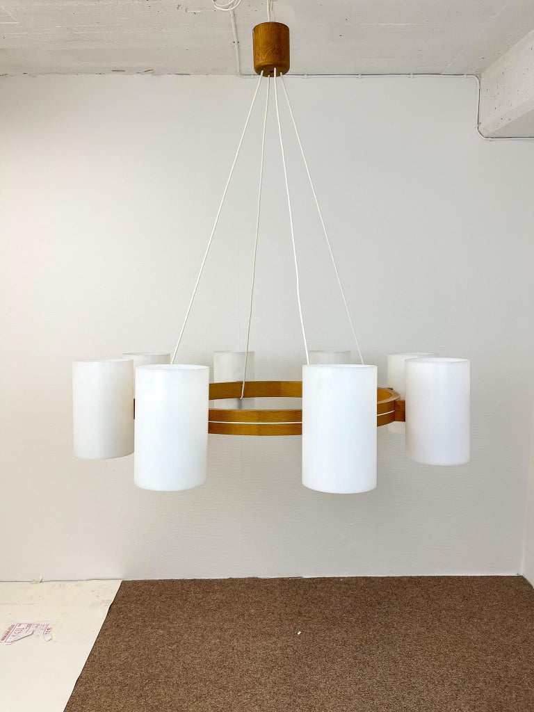 Midcentury Large Chandelier, Pine and Acrylic Luxus Sweden, 1960s In Good Condition For Sale In Langserud, SE