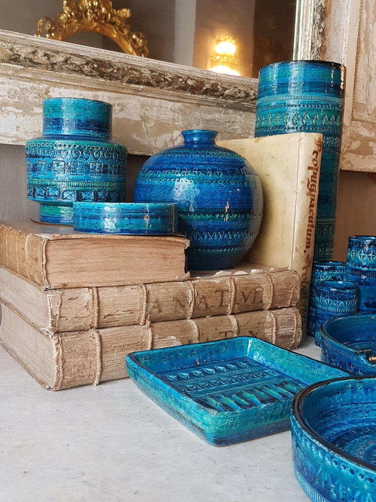 Midcentury Large Scale Aldo Londi Bitossi Rimini Blue Glazed Ceramic Footed Bowl For Sale 11