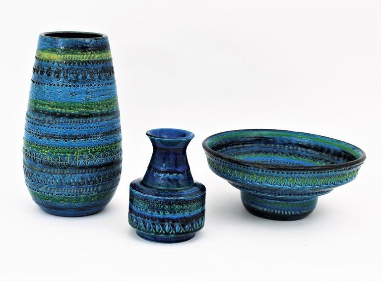 Pottery Midcentury Large Scale Aldo Londi Bitossi Rimini Blue Glazed Ceramic Footed Bowl For Sale