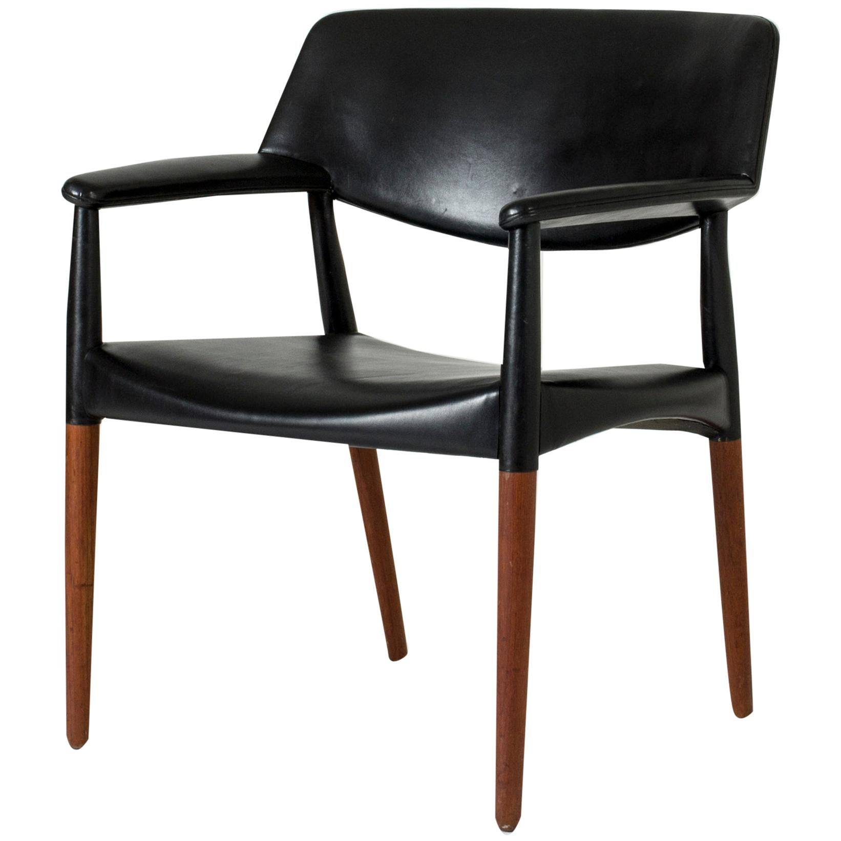 Midcentury Leather Armchair by Ejnar Larsen & Aksel Bender Madsen for Willy Beck