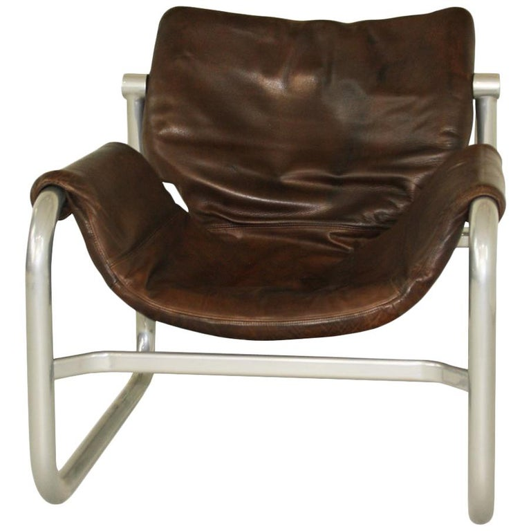 Midcentury leather sling lounge chair by Maurice Burke for Pozza, Brazil For Sale