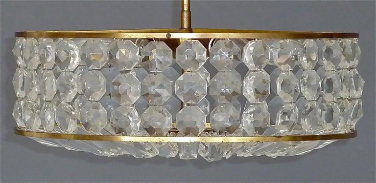 Midcentury Lobmeyr Style Drum Chandelier Patinated Brass Crystal Glass 1950s In Good Condition For Sale In Nierstein am Rhein, DE