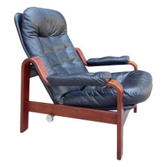 Midcentury Lounge Chair in Walnut and Black Leather by Göte Möbler Nassjö