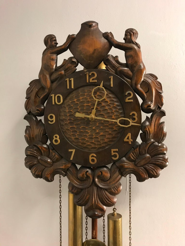 Midcentury Made Classical Roman Wall Clock with Sculptures and Flowers For Sale 3