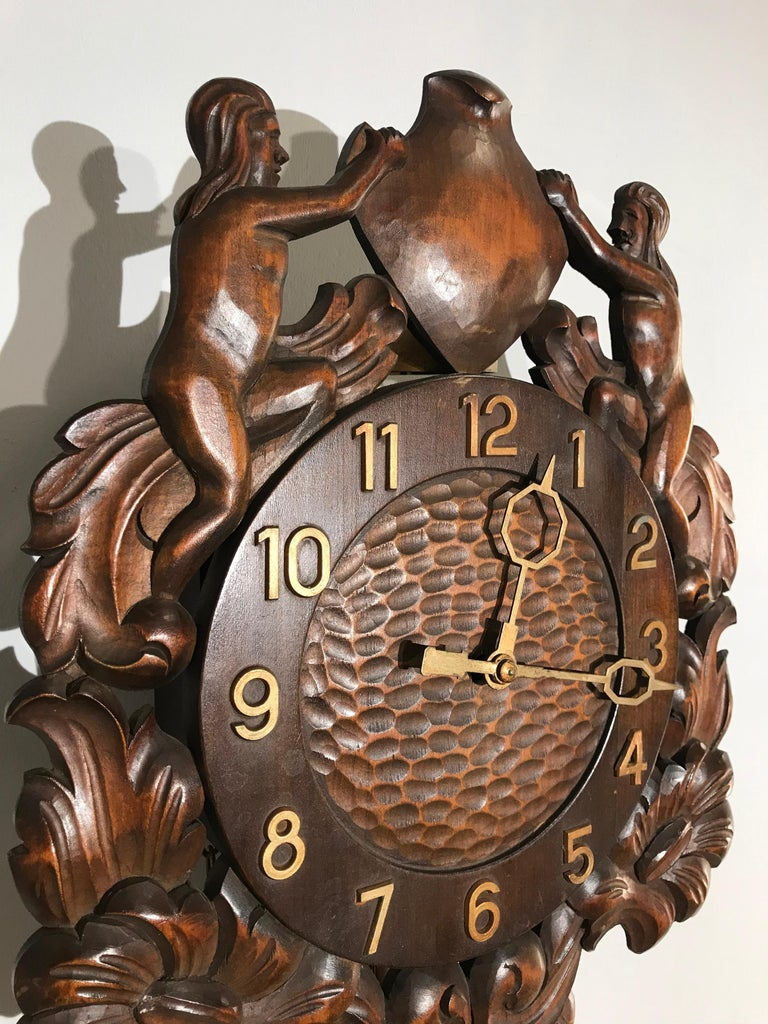 Midcentury Made Classical Roman Wall Clock with Sculptures and Flowers For Sale 9