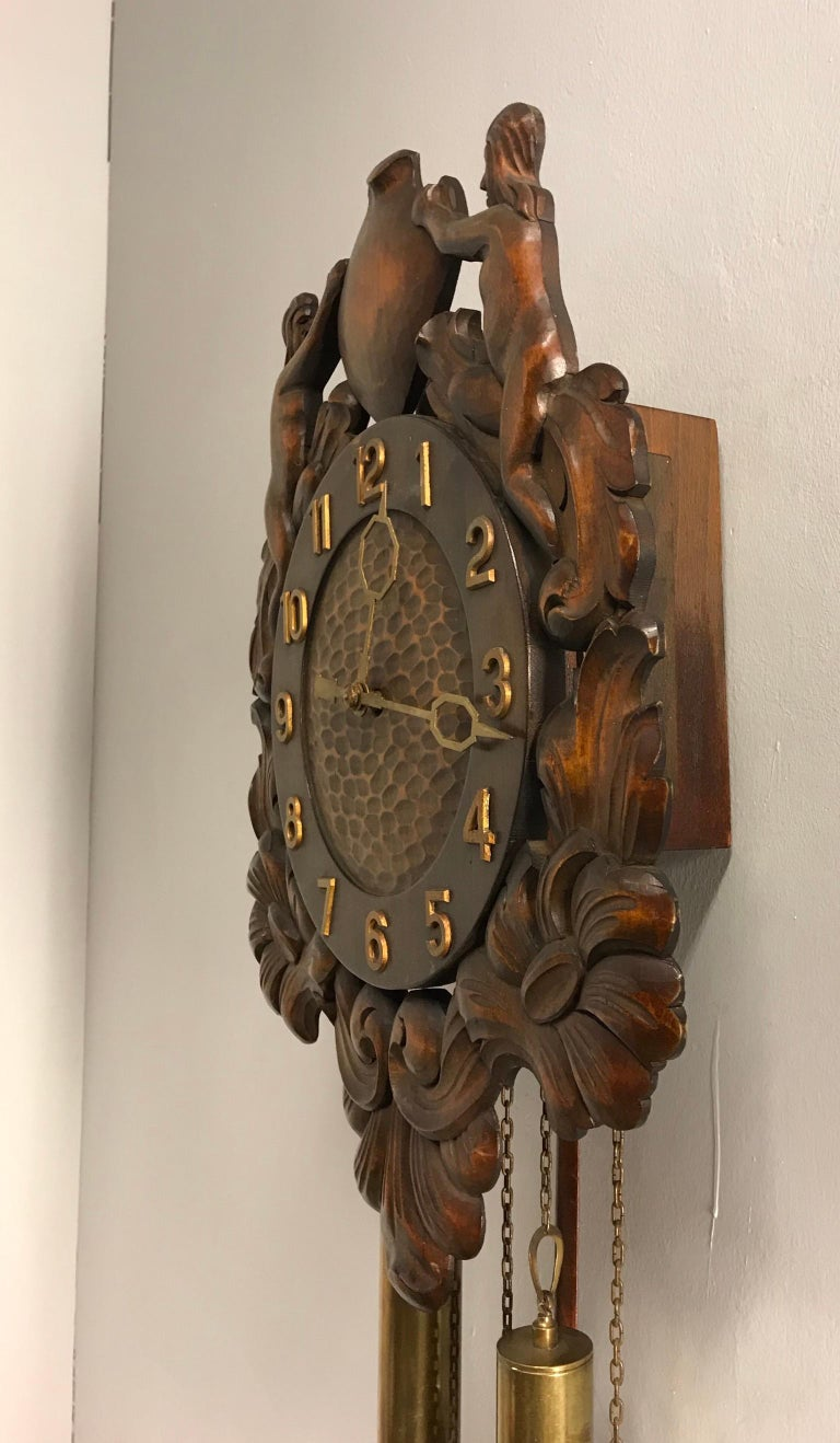 Midcentury Made Classical Roman Wall Clock with Sculptures and Flowers For Sale 1
