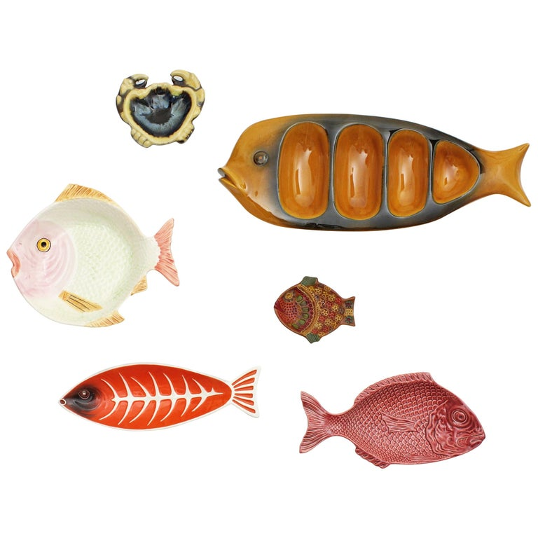 Midcentury Majolica Glazed Ceramic Set of Fish Sculptures Wall Composition For Sale