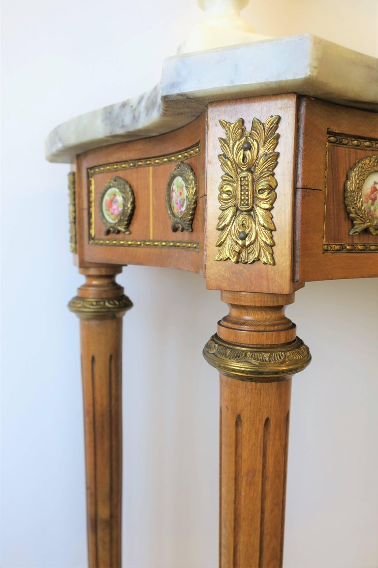 Neoclassical Marble and Brass Console Table For Sale 11