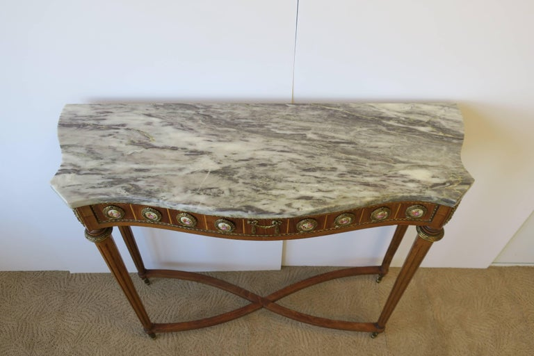 Neoclassical Marble and Brass Console Table For Sale 8