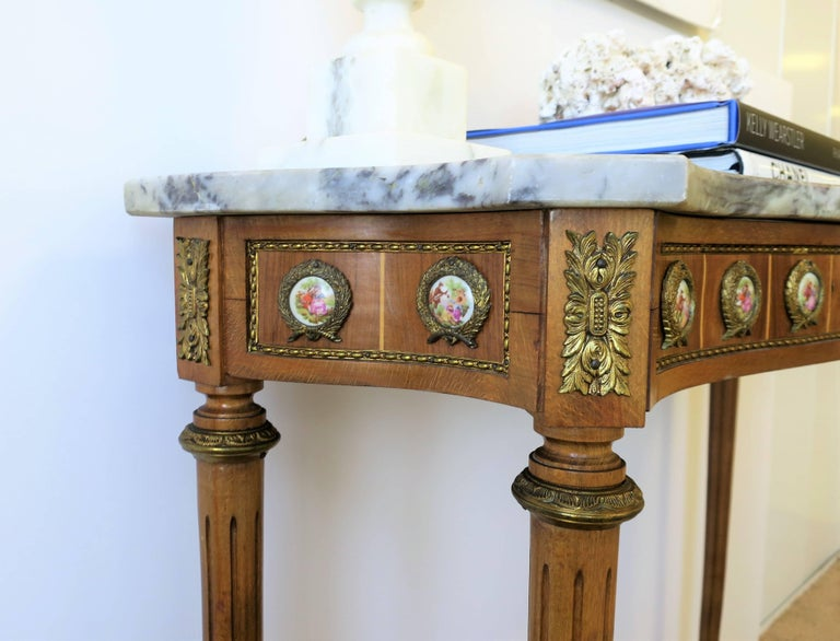Neoclassical Marble and Brass Console Table For Sale 10