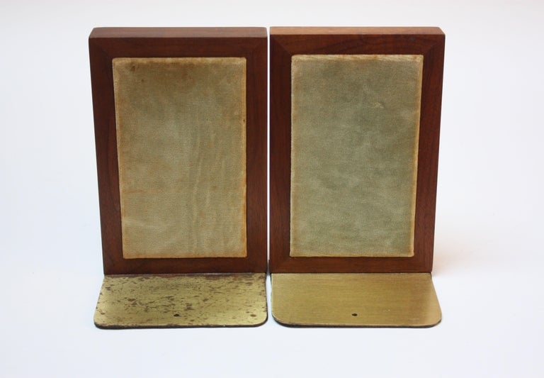 Midcentury Martz Ceramic and Walnut Bookends In Good Condition For Sale In Brooklyn, NY