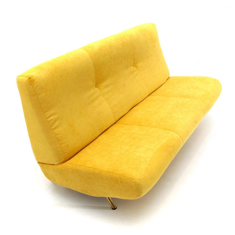 Mid-Century Modern 3-Seat Yellow Velvet Sofa by Marco Zanuso for Arflex, 1950s In Good Condition For Sale In Savona, IT