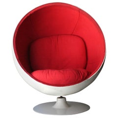 Eero Aarnio Mid-Century Modern ''Ball Chair'' White Red Finland, 1963
