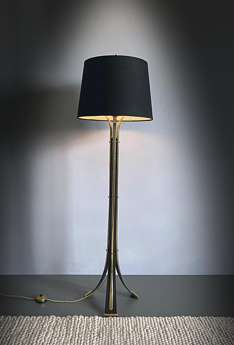 Italian Mid-Century Modern Brass Tripod Floor Lamp, 1950s, Italy For Sale