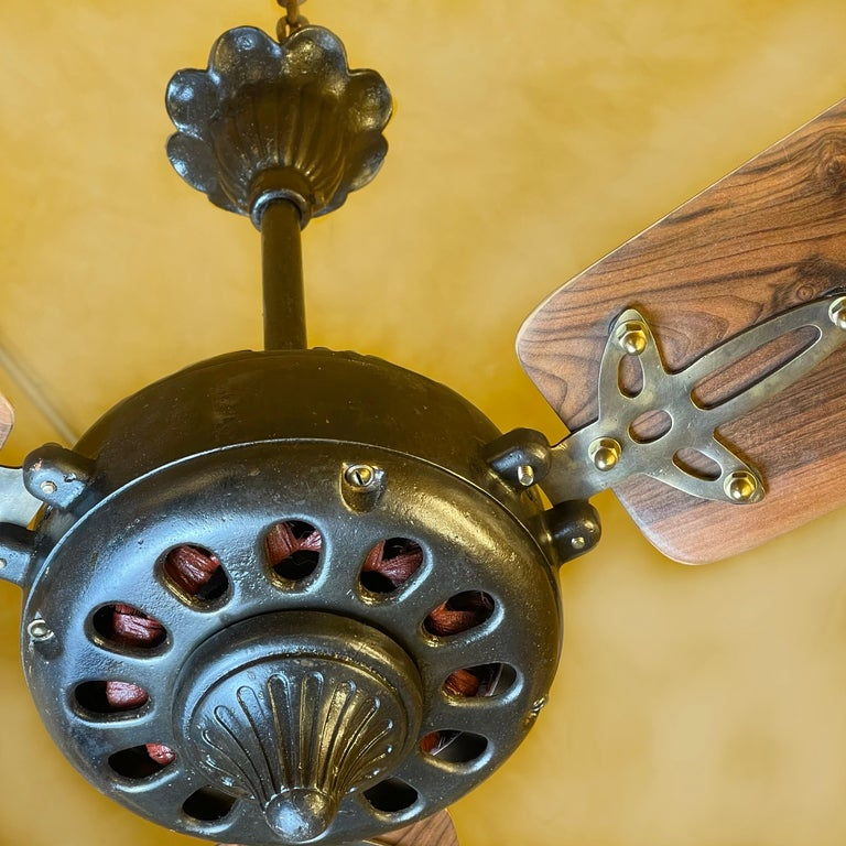 Mid-20th Century Midcentury Modern CGE 'Compagnia Generale Elettricità' Cast Iron Ceiling Fan For Sale