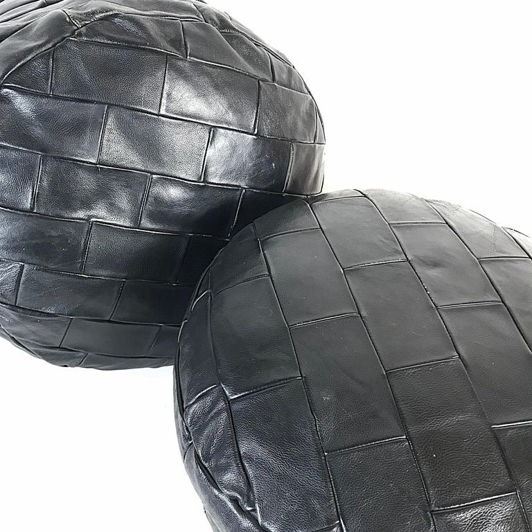 Hand-Crafted Mid-Century Modern De Sede Black Leather Patchwork DS80 Pouf, 1970s Switzerland For Sale