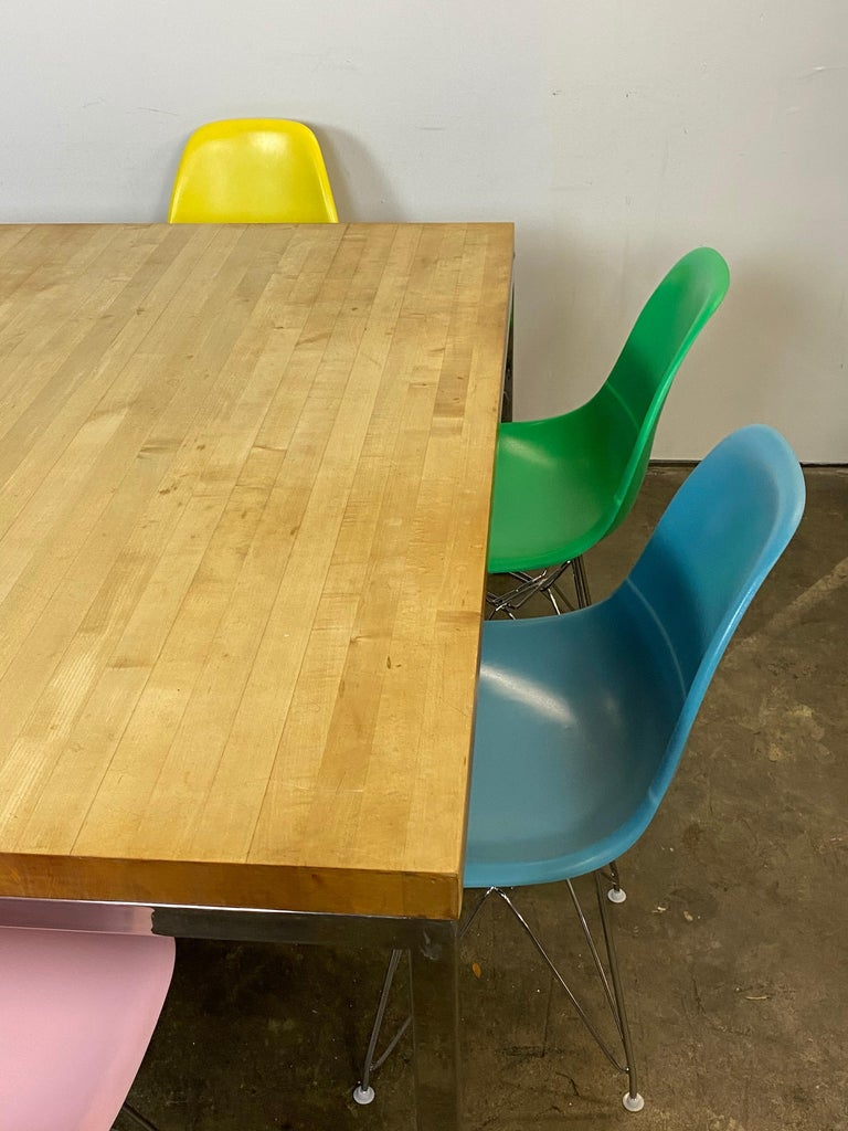 Mid-Century Modern Dining Set with Eames DSR Chairs For Sale 5