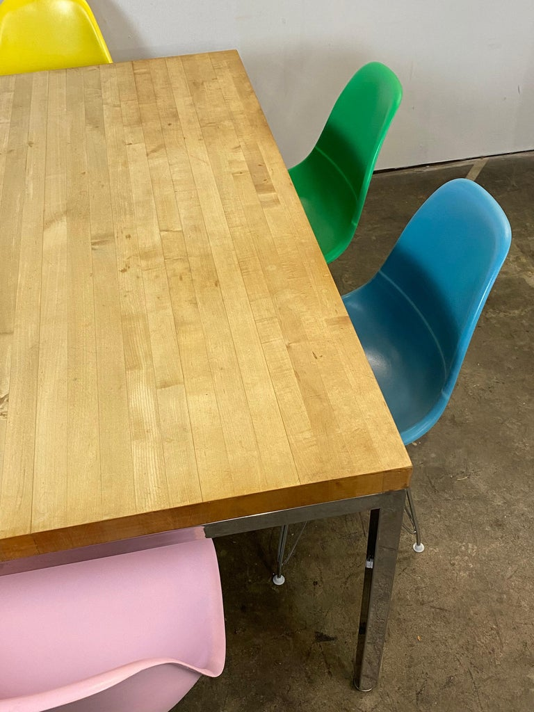 Mid-Century Modern Dining Set with Eames DSR Chairs For Sale 7