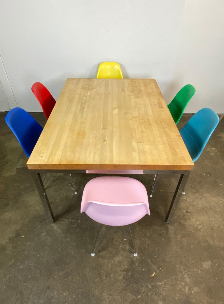 Mid-Century Modern Dining Set with Eames DSR Chairs For Sale 2