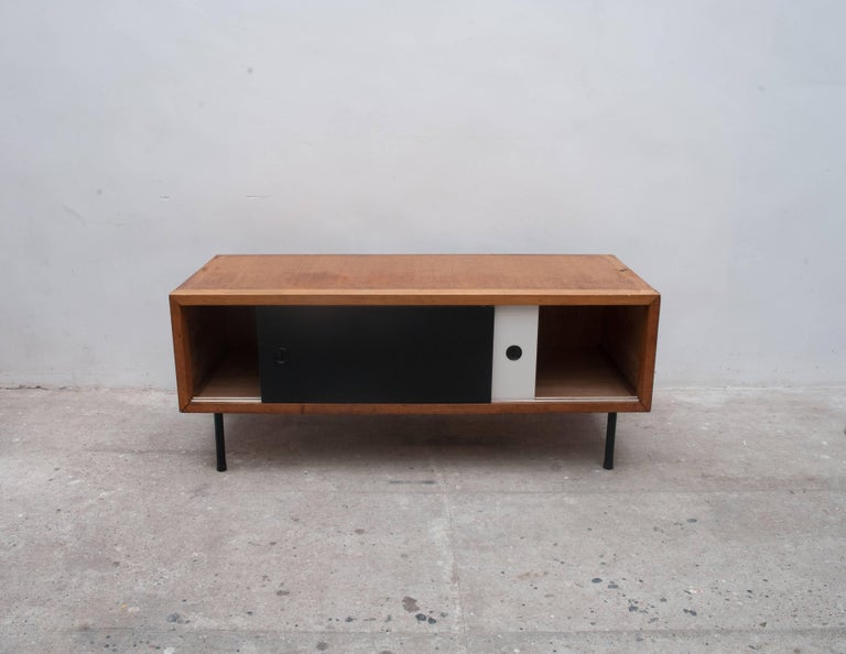 French Midcentury Modern 1950s Bookcase, Modular Shelves in Style of Pierre Guariche For Sale