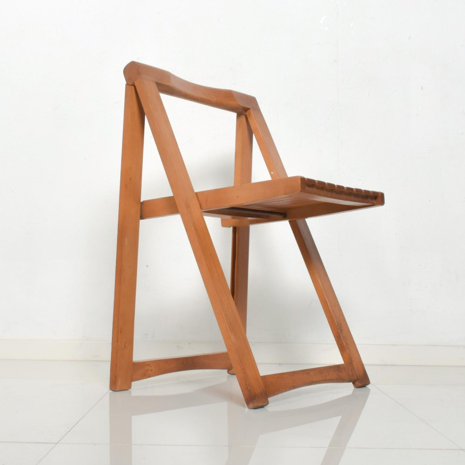 Mid Century Modern Folding Carry Set Of 4 Slatted Wood Chairs Romania For Sale At 1stdibs