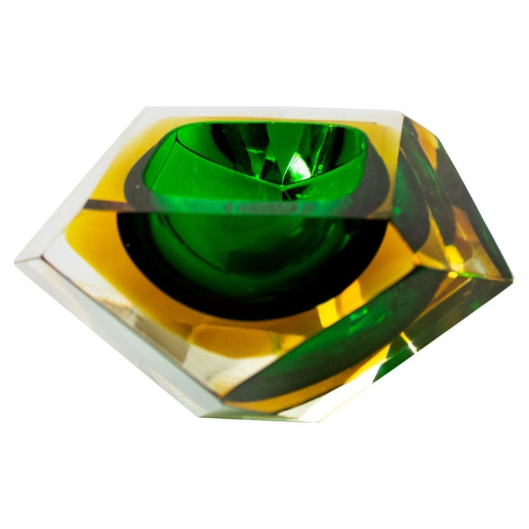 Mid-Century Modern Green Sommerso Murano Glass Bowl Attributed to Flavio Poli For Sale