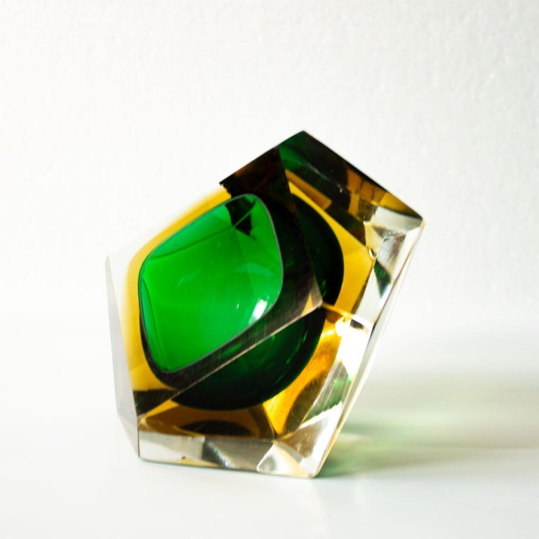 Mid-Century Modern Green Sommerso Murano Glass Bowl Attributed to Flavio Poli In Good Condition For Sale In Stockholm, SE