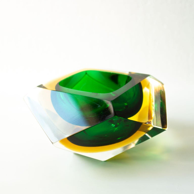 Art Glass Mid-Century Modern Green Sommerso Murano Glass Bowl Attributed to Flavio Poli For Sale