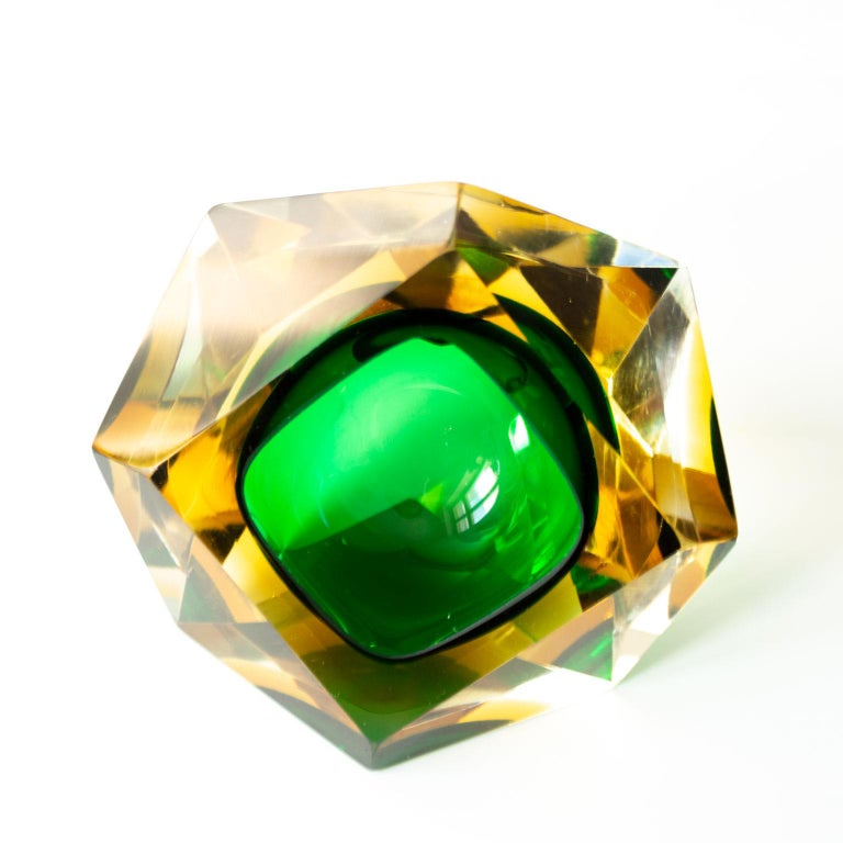 Mid-Century Modern Green Sommerso Murano Glass Bowl Attributed to Flavio Poli For Sale 1