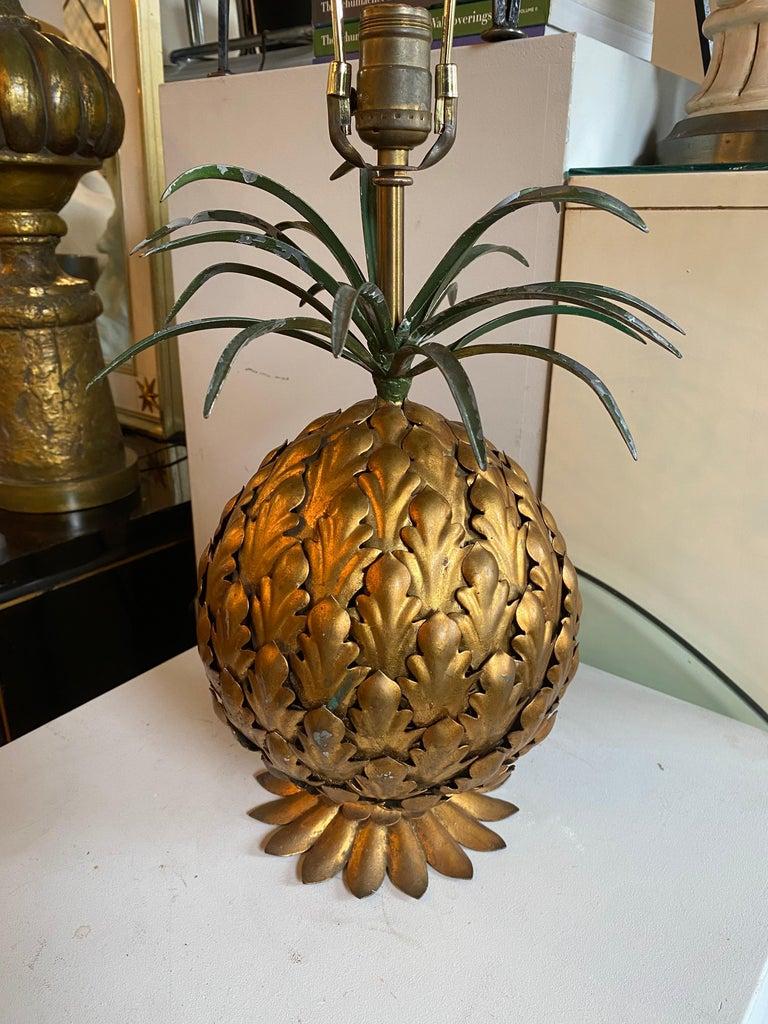Mid-Century Modern Italian Tole Gilt Metal Pineapple Lamp, Hollywood Regency For Sale 5