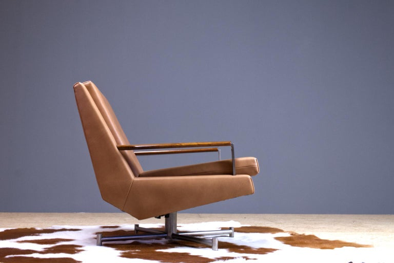 Mid-Century Modern Lounge Chair by Louis Van Teeffelen in Brown Leather, 1960s In Excellent Condition For Sale In Beek en Donk, NL