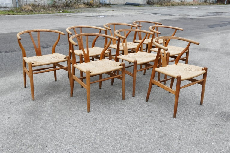 Danish Mid-Century Modern Oak Wishbone Chairs by Hans Wegner For Sale