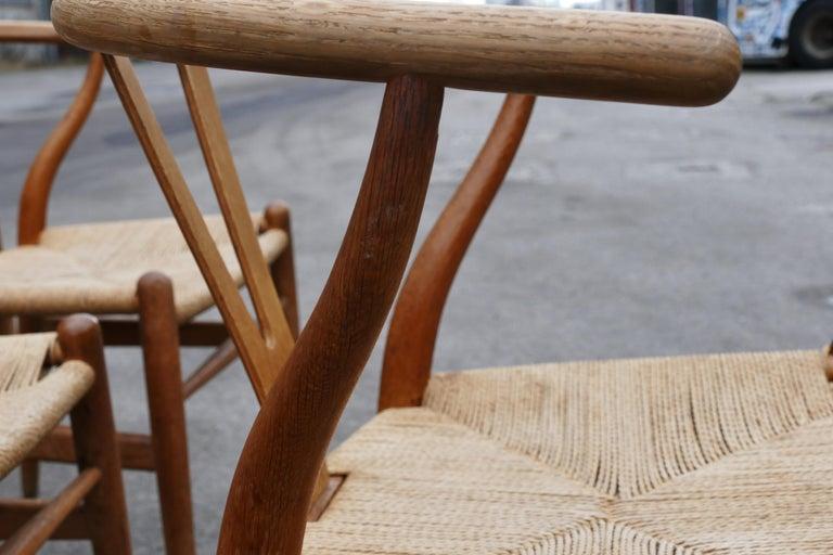 Mid-Century Modern Oak Wishbone Chairs by Hans Wegner In Good Condition For Sale In Copenhagen, DK
