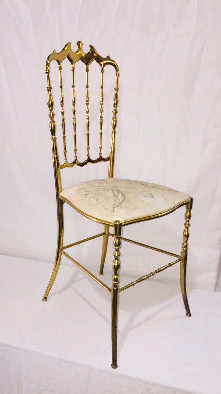 Mid-Century Modern Pair of Italian Chiavari Opéra Chairs in Solid Polished Brass For Sale 5