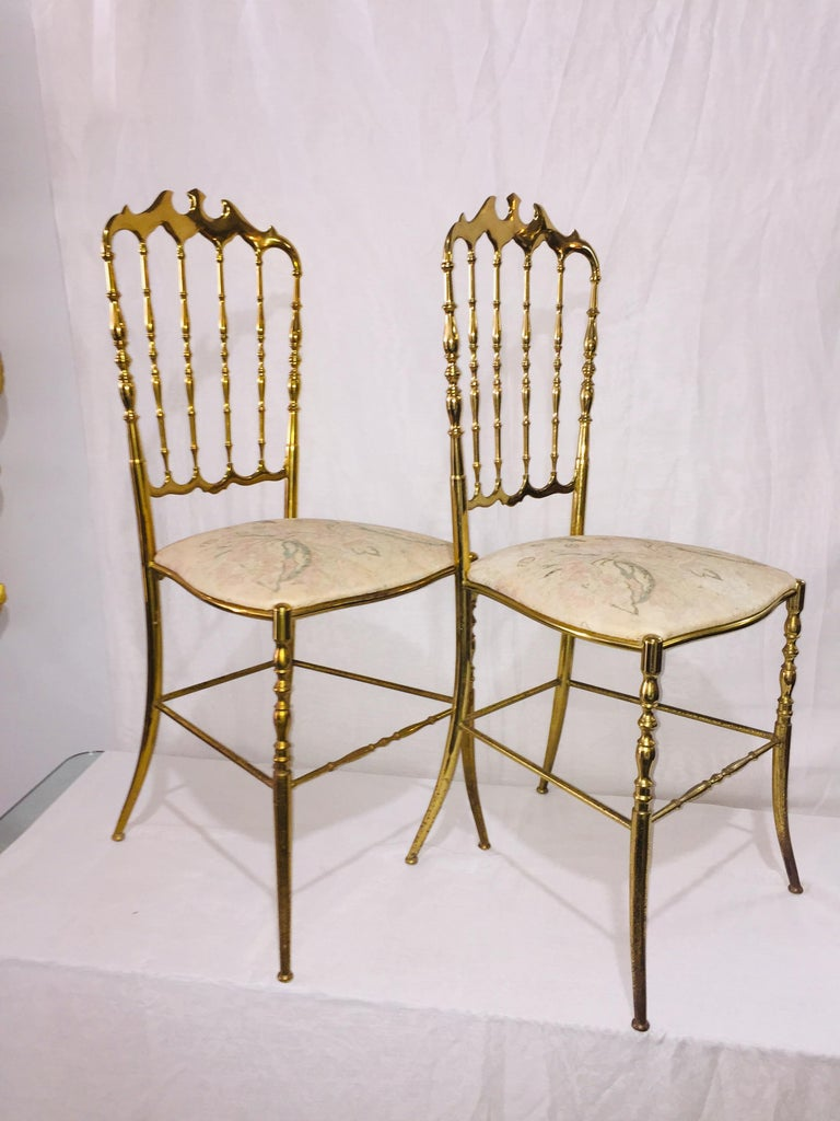 Mid-Century Modern Pair of Italian Chiavari Opéra Chairs in Solid Polished Brass For Sale 2