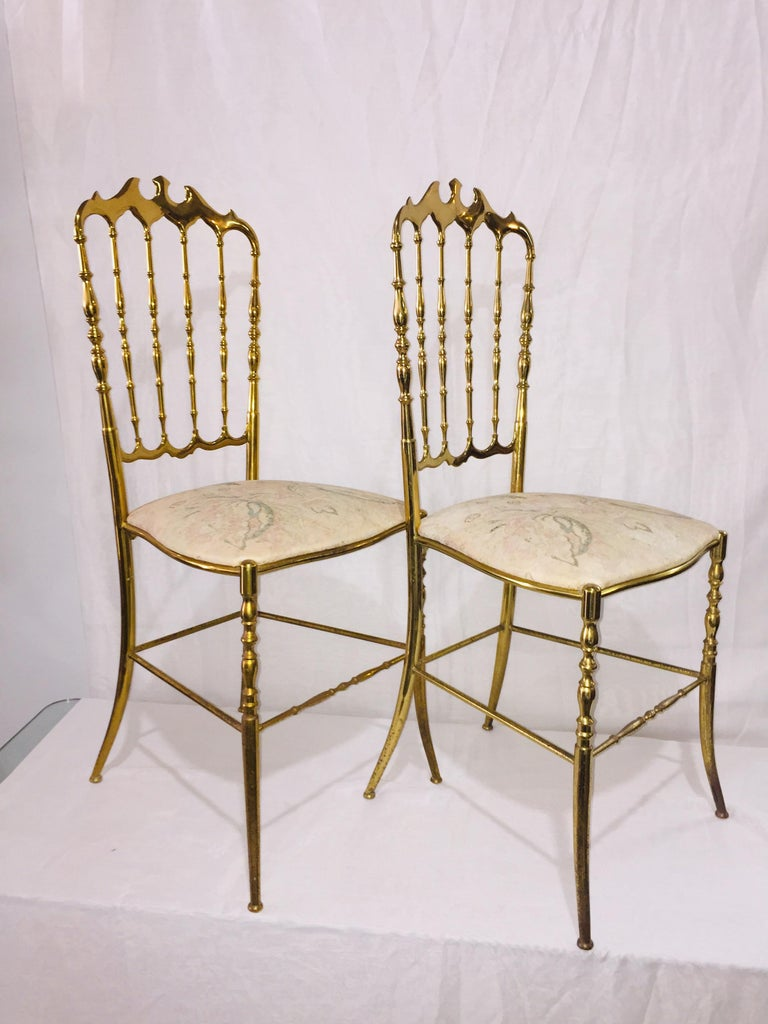 Mid-Century Modern Pair of Italian Chiavari Opéra Chairs in Solid Polished Brass For Sale 3