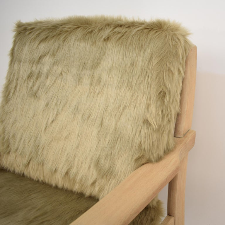 Midcentury Modern Scandinavian Light Oak Wood and Faux Fur Armchair, circa 1970 In Good Condition For Sale In Berlin, DE