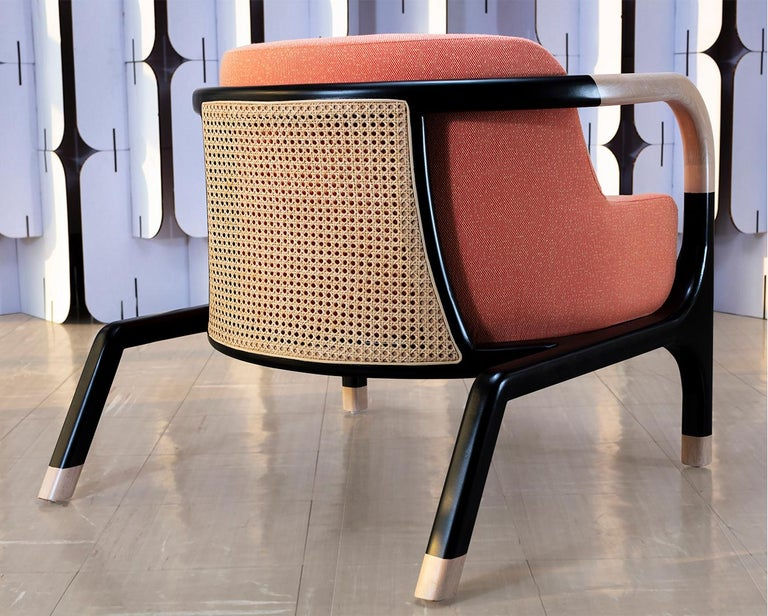 Mid-Century Modern Style Solid Wood Armchair Upholstered in Textile In New Condition For Sale In San Miguel de Allende, Guanajuato